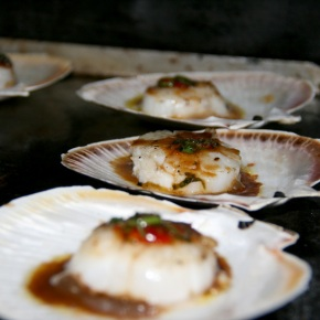 BBQ Scallops with Asian Dressing